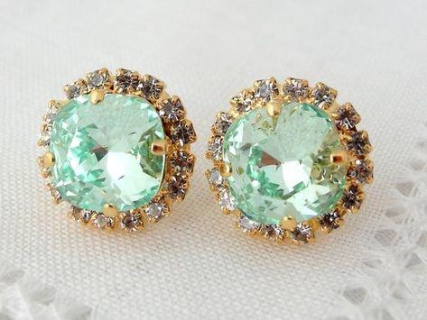 #weddings #jewelry #earrings #bridesmaidgift #bridalearrings #bridesmaidsearrings #swarovskiearrings #crystalstudearring #weddingjewelry #rhinestoneearrings #mintstuds #mintseafoam #clearmint #mintjewelry #greenmint