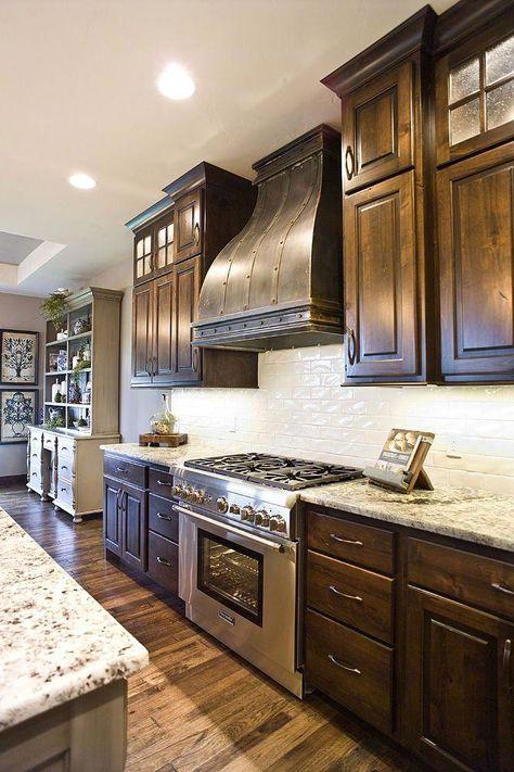 Lovely Kitchen Backsplash with Dark Cabinets Decor Ideas ~ Beautiful House ideas color ideas farmhouse ideas decoration ideas diy ideas on a budget