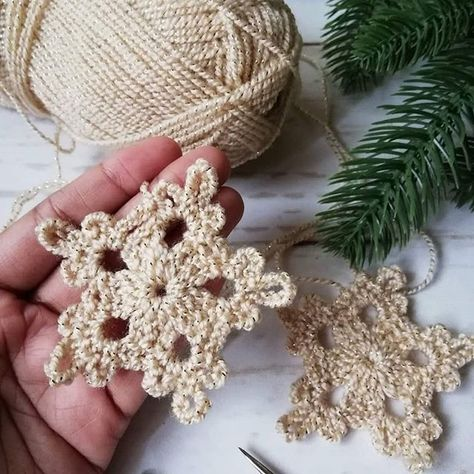 Happy Holidays to you all. 🎄🎉 If you are looking for a super fast crochet pattern for Christmas decorating, here is Crochet… Crochet Snowflake Pattern, Christmas Crochet Patterns, Crochet Motifs, Crochet Snowflakes, Crochet Stitches Patterns, Thread Crochet, Crochet Designs, Crochet Christmas Decorations, Crochet Ornaments