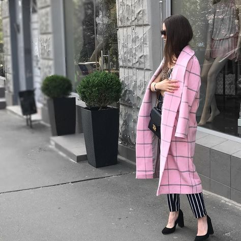 Thanks @pollina.leshchenko for such an amazing photoshoot 💕this tender robe coat is available to order in our shop 💫#lookhunter #iamlookhunter #robecoat #style #streetstyle #styleblogger #streetstylefashion #streetstyler #streetfashion #streetfashionnyc #pinkcoat #plaidcoat #fashionista #fashionstyle #nyf #nyfashion #nyc #australiangirl #austrianblogger