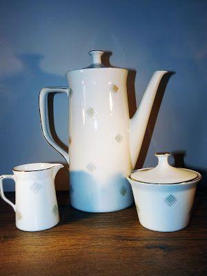 c 1950 s Cottage Scene Teapot Housewarming Windsor Transferware Birthday Gift Bridal Shower Vintage Teapot