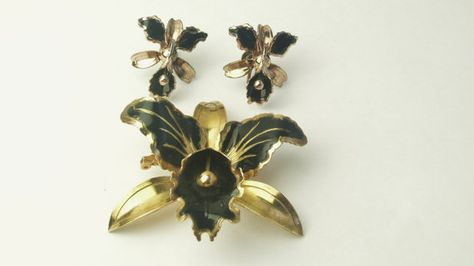 1940s Vintage Large Orchid Earrings and Brooch Set ~ Ombr\u00e9 Flamingo Pink Flower Clip Ons