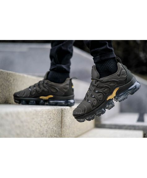 hot new products big discount wholesale outlet Pas Cher Nike Air Vapormax Plus TN Homme Chaussures Kaki Or ...