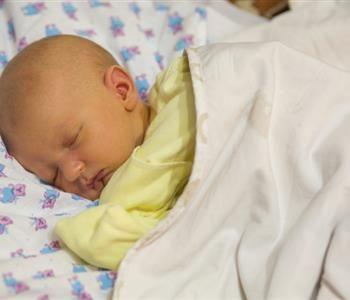 علاج الصفار عند الاطفال الرضع بالثوم Baby Face Baby Face