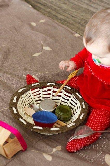 El Juego De Los 6 A 12 Meses Pedagogía Montessori Montessori Actividades Sensoriales Para Bebés Actividades Sensoriales