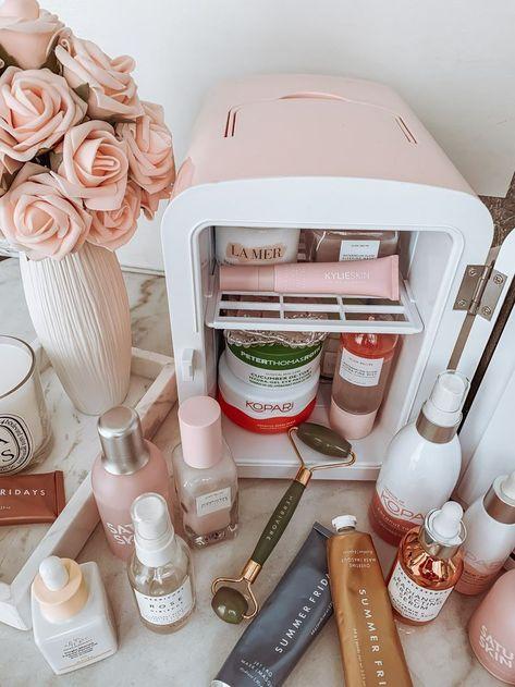 Skin fridge pink skin fridge skin care essentials skin fridge essentials skin care products blondie in the city by hayley larue happy sunday beauties happy sunday beauties Beauty Blogs, Beauty Room, Beauty Tips, Beauty Hacks, Diy Beauty, Beauty Trends, Beauty Ideas, Beauty Makeup, Beauty Essentials