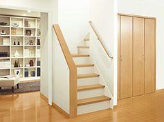 内覧会 階段 蹴込み 白 の画像検索結果 マイホーム 室内ドア 収納 ドア