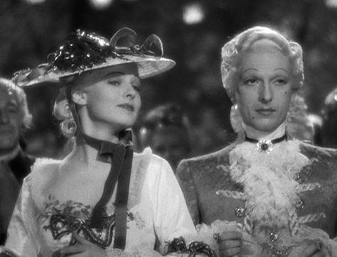 Ruth Hussey as the Duchesse de Polignac in Marie Antoinette (1938). | La  gran belleza, María antonieta, Alta sociedad