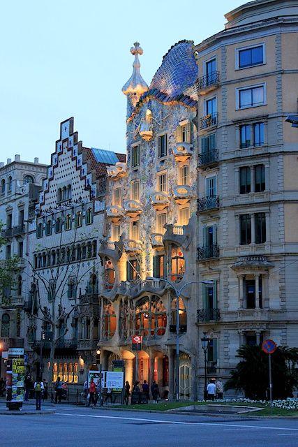 Encore! Life, Casa Batlló, Barcelona   by lipscer   via handa