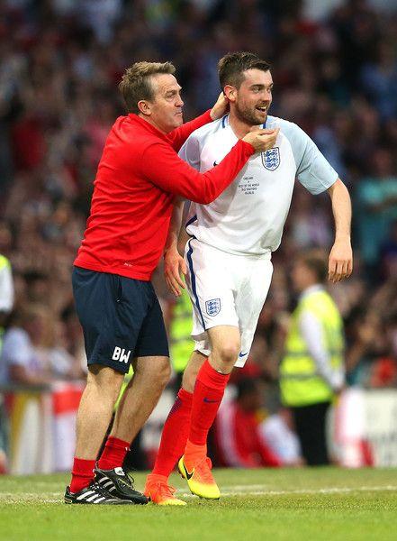 Bradley Walsh Photos Photos Soccer Aid 2016 Soccer Aid Soccer Jack Whitehall