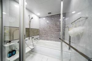 施工事例 浴室 お風呂 ガラス扉のユニットバスでリゾートホテルの