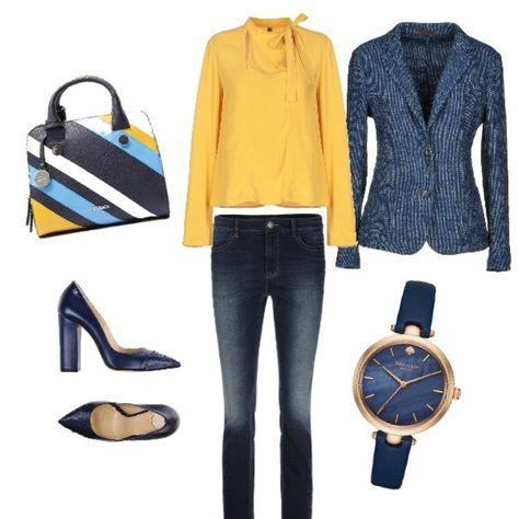 new styles 6b0bc 46552 Giacca monopetto blu con decori colorati sopra camicia ...
