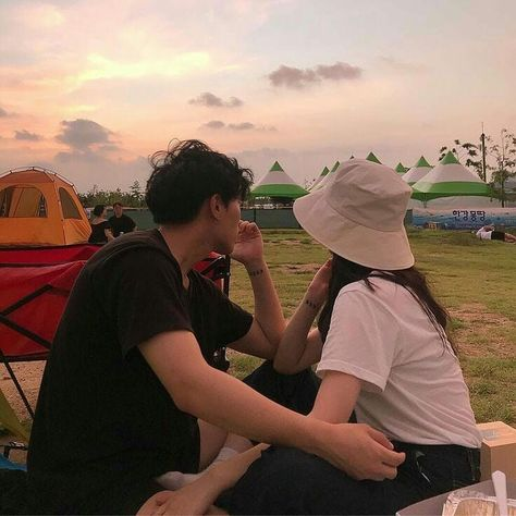 SinB has a baby sister who is a idol. What will happen when the res… Relationship Goals Pictures, Cute Relationships, Boyfriend Goals, Future Boyfriend, Cute Couples Goals, Couple Goals, Cute Couple Pictures, Couple Photos, Mode Ulzzang