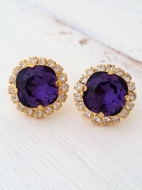 #weddings #jewelry #earrings #bridesmaidgift #bridalearrings #vintageearrings #bridesmaidsearrings #swarovskiearrings #crystalstudearring #weddingjewelry #rhinestoneearrings #goldearrings #deeppurplestuds #purpleearrings #royalpurple