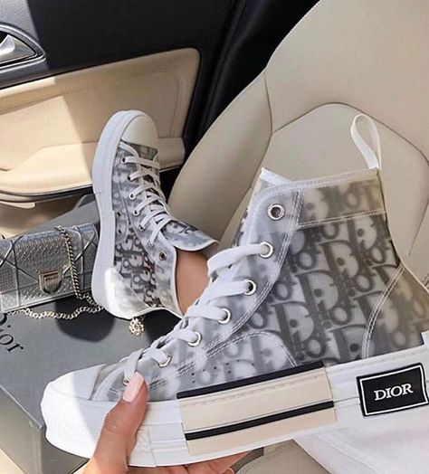 dior shoes sneakers Behind The Scenes By culturfits Cute Sneakers, High Top Sneakers, Shoes Sneakers, Shoes Heels, Swag Shoes, Women's Sneakers, Gucci Shoes, Shoes Men, Adidas Shoes