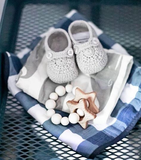 625a0b6e5 Fill baby s stocking with the SWEETEST items. These crocheted shoes ...