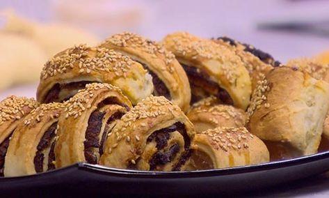 طريقة عمل كعب الغزال بالعجوة في المنزل بالمقادير والخطوات Food Apple Pie Breakfast