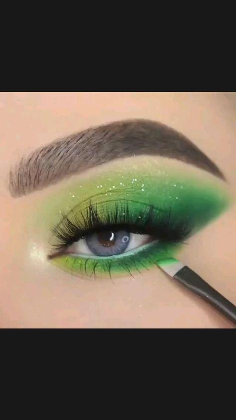 Eyeshadow Looks, Makeup Tips Eyeshadow, Eye Makeup Steps, Green Eyeshadow, No Eyeliner Makeup, Glitter Makeup, Colorful Eyeshadow, Colorful Makeup, Skin Makeup