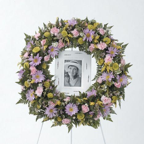 Funeral Urn And Photo Tributes Aurora Montgomery Oswego Yorkville Naperville Sugar Grove Il Funeral Floral Funeral Flower Arrangements Funeral Floral Arrangements