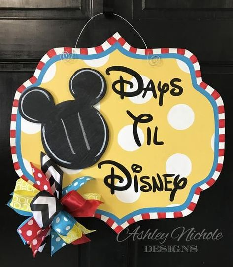 Hand painted in chalkboard style to countdown for a special trip with family. Small bow will be included also.  We can customize a plaque for your vacation countdown, use the text box above to let us know what type of vacation plaque you need. Made of 1/4