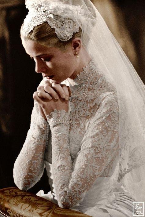 Grace Kelly - ślub kościelny z księciem Monako Rainierem III Grace Kelly Mode, Grace Kelly Wedding, Grace Kelly Style, Royal Wedding Gowns, Royal Weddings, Wedding Dresses, Classic Hollywood, Old Hollywood, Princesa Grace Kelly