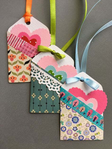 The best thing with gift tags is that you can be a real, absolutely real scrapbooker! paper crafts Easy to make pocketed gift tags - The Paper Heart Paper Tags, Paper Gifts, Diy Paper, Kraft Paper, Paper Gift Bags, Handmade Gift Tags, Diy Gift Tags, Scrapbook Paper Crafts, Diy Scrapbook