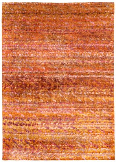 Abrash Is A Variation In Color That Occurs In Oriental Rugs That Is Usually Present Due To The Use Of Vegetable Dyes Changes I Fine Carpets Rugs Pure Products