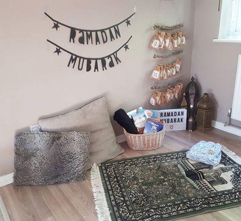 NillyDahlia Muslim Parenting Vlogger, Ramadan Corner, Islamic Prayer