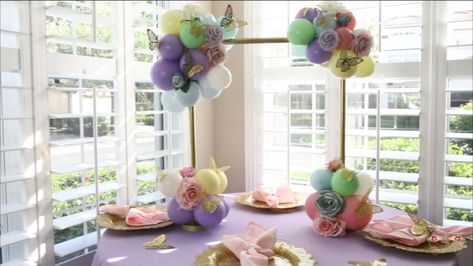 Balloon Crafts, Birthday Balloon Decorations, Birthday Party Centerpieces, Balloon Gift, Balloon Centerpieces, Balloon Garland, Diy Wedding Decorations, Decor Wedding, Pastel Balloons