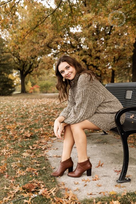 The best senior pictures in Indianapolis and serving Westfield, Carmel, Lawrence Indiana and more. Senior Picture Poses, Senior Photo Outfits, Photography Senior Pictures, Photography Poses Women, Senior Photo Shoots, Fall Senior Photography, Railroad Photography, Pic Pose, Creative Senior Pictures
