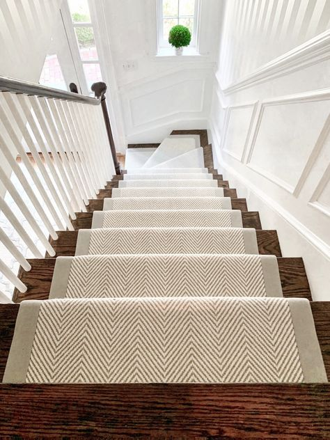 Everyone loves a neutral herringbone wool stair runner. This Wellesley, homeowner wanted something bright and airy, but also eye catching! By adding a wide binding, really makes the stair runner pop! House Design, Home Remodeling, House Stairs, New Homes, Stair Runner, Dream Decor, Stairways, Hallway Colours, Wood Stairs