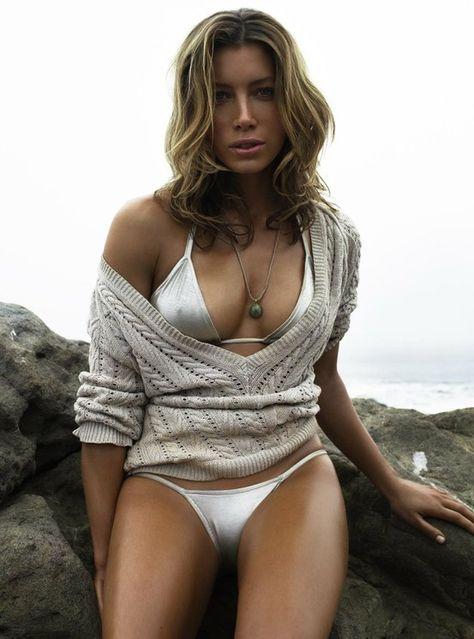 Jessica Alba Poke Nips Bikini At St. Barts Beach - 12thBlog
