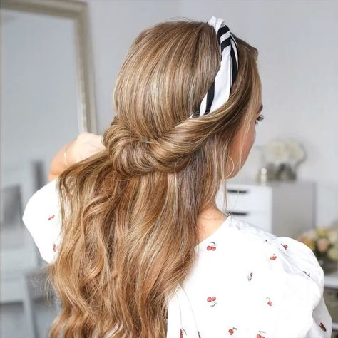 """Melissa Cook ( Missy ) on Instagram: """"Half Up Headband Roll 🎥 Tag a friend 👭 that should try this style! Full tutorial link in my bio! 💕 #missysueblog"""""""