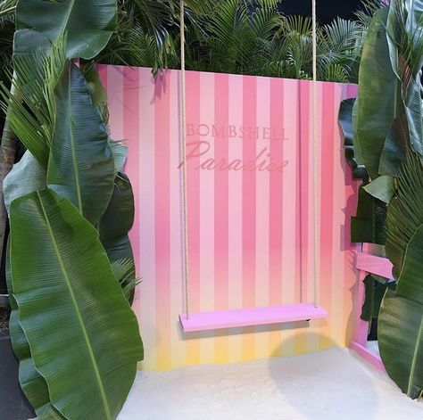 A custom tropical photo moment enticed guests to pose and post while attending the launch of Victoria's Secret's Bombshell Paradise fragrance Corporate Event Design, Floral Event Design, Diy Photo Backdrop, Barbie Party, Pop Up Shops, Pink Parties, Birthday Diy, Booth Design, Diy Party