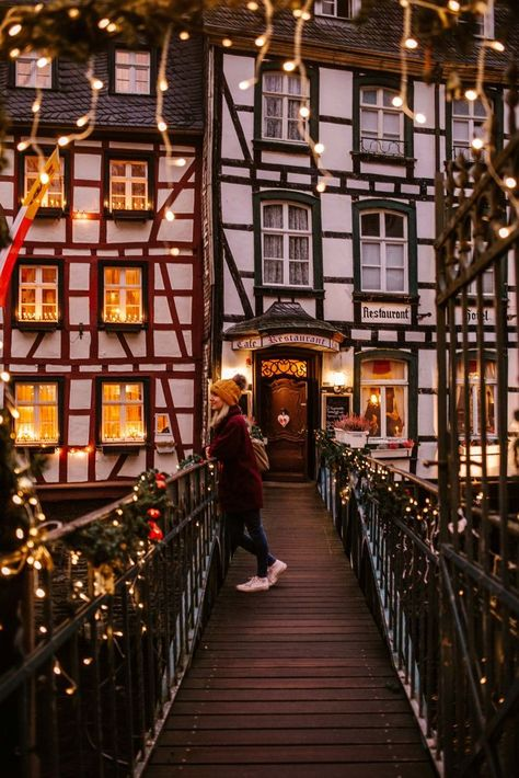 The complete guide to visiting Germany's most beautiful Christmas Market: Monschau. Like stepping back in time, this 'Weihnachtsmarkt' is unlike any other. Christmas Feeling, Cozy Christmas, Beautiful Christmas, Christmas Time, Xmas, Christmas Decor, Christmas Travel, Christmas Villages, Christmas Vacation