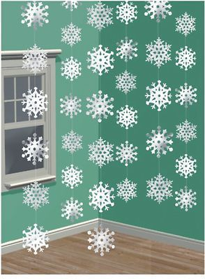 Lovely simple idea - could use to decorate your PTA/PTO Christmas Fair. Santa's grotto decoration