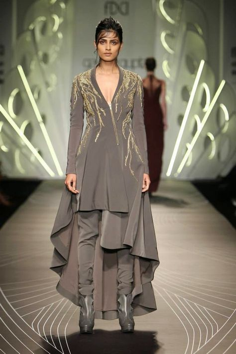 Stylefluid Trendz: Gaurav Gupta A/W 15: Of the pinstripe, power dressing and more: Amazon India Fashion Week