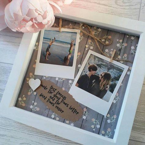 Dieser handgefertigte, individuelle Scrabble-Rahmen macht das perfekte Geschenk für Freunde Geburtstag, für Ihre Brautjungfer geschätzt, oder einfach nur da! Es ist ein schönes Andenken, Ihre Freundschaft zu feiern und eine gute Möglichkeit, Ihre lieben z
