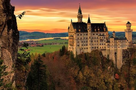 You want to travel to Germany but you're not quite sure where? Or you don't know about all the great places Germany has to offer? Here's an ultimate list of Germany including a map with...