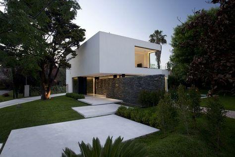 maison-contemporaine-blanche en 2019   Maison, Extérieur ...