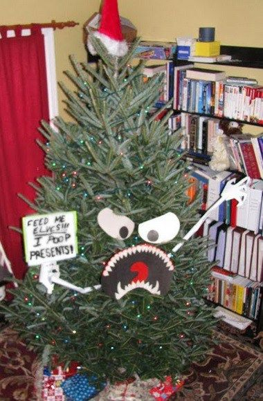 Horror Christmas Ornaments.Ten Of The Scariest Looking Christmas Trees You Will Ever