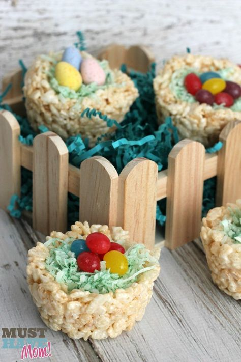Rice Krispie Easter Baskets with Jolly Rancher Jelly Beans http://musthavemom.com/2014/03/rice-krispies-easter-baskets-recipe-hersheys-easter-candy-giveaway.html