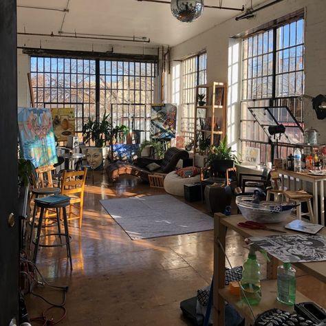 Loft Apartment Decorating, Design Apartment, Dream Apartment, Apartment Ideas, Art Studio Room, Loft Studio, Art Studio Design, Art Studio At Home, House Studio