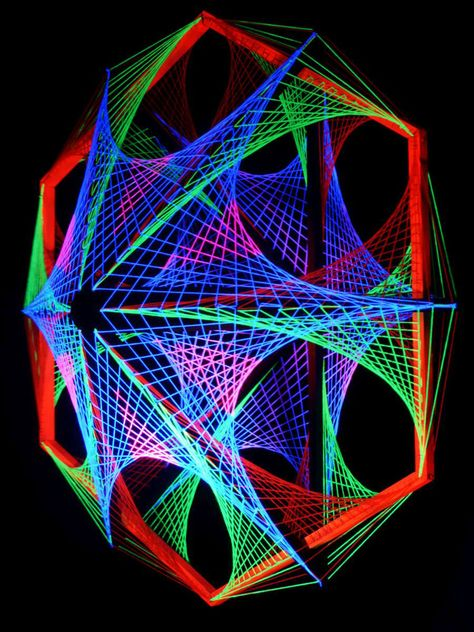 """115cm 3D String Art Deko """"Out Of Space"""" #blacklight #schwarzlicht #stringart…"""