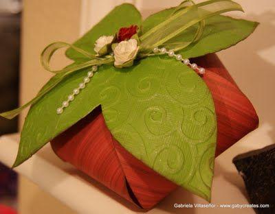 Gaby Creates: Strawberry Box - Cricut Flower Shoppe //Easy to do.