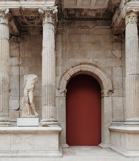 Curatorstudio Curator Studio Kbh Spectacular Market Gate Of Miletus Built In The 2nd Century Ad And Destroyed In The 11th Century It Was Found By German A