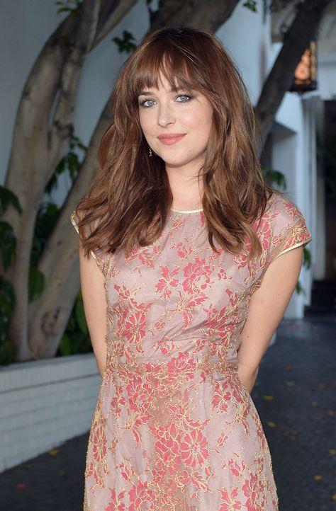 Dakota Johnsons Warm Brunette Hair and Rosy Nude Makeup