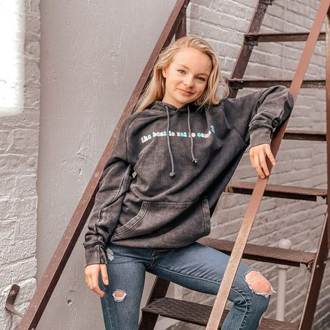 Pressley Hosbach - The Best Vintage Hoodie Teen Girl Fashion, Teenage Girl Outfits, Outfits For Teens, Dance Moms Season 8, Little Girl Models, Dance Moms Girls, Lany, Cute Casual Outfits, Dance Dresses