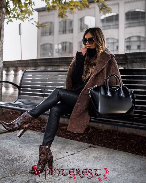 Top 45 women& dresses for winter- Top 45 Damenkleider für den Winter With the end of the summer season, the eyes are on what will be announced in the winter season, and the shopping phase for women begins.