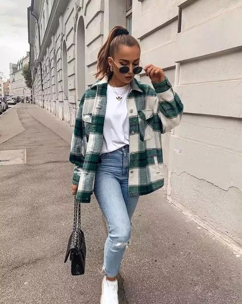 Trendy Fall Outfits, Casual Winter Outfits, Winter Fashion Outfits, Look Fashion, Ootd Winter, Flannel Fashion, Easy Outfits, Sporty Fashion, Winter Layering Outfits